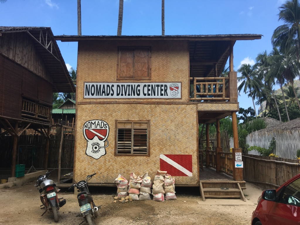 nomads diving center