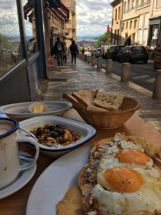 lyon breakfast with view